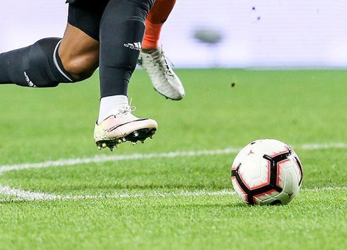 Yeni Malatyaspor'da Christian Alberto Cueva, disiplinsiz davranışları nedeniyle kadro dışı bırakıldı