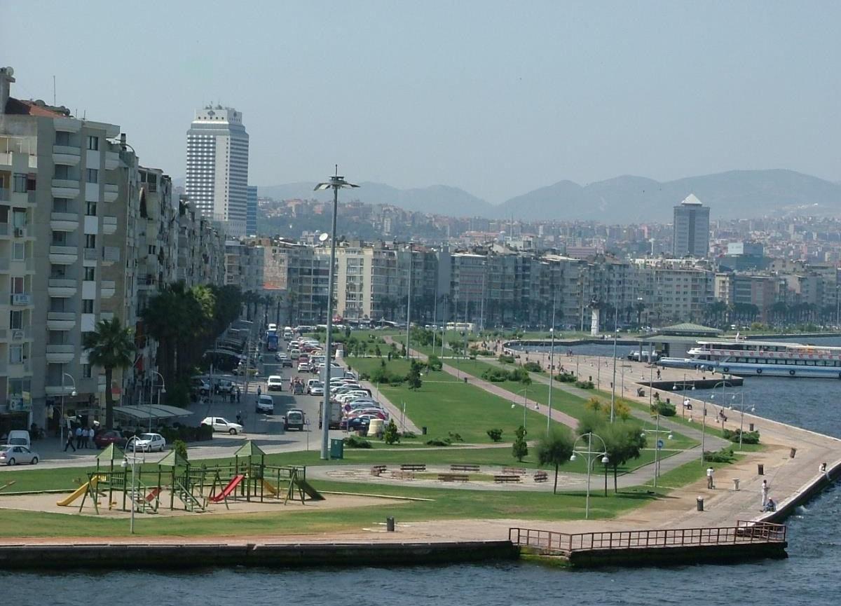 İzmir'de yeni koronavirüs önlemleri! Piknik yapmak yasaklandı...