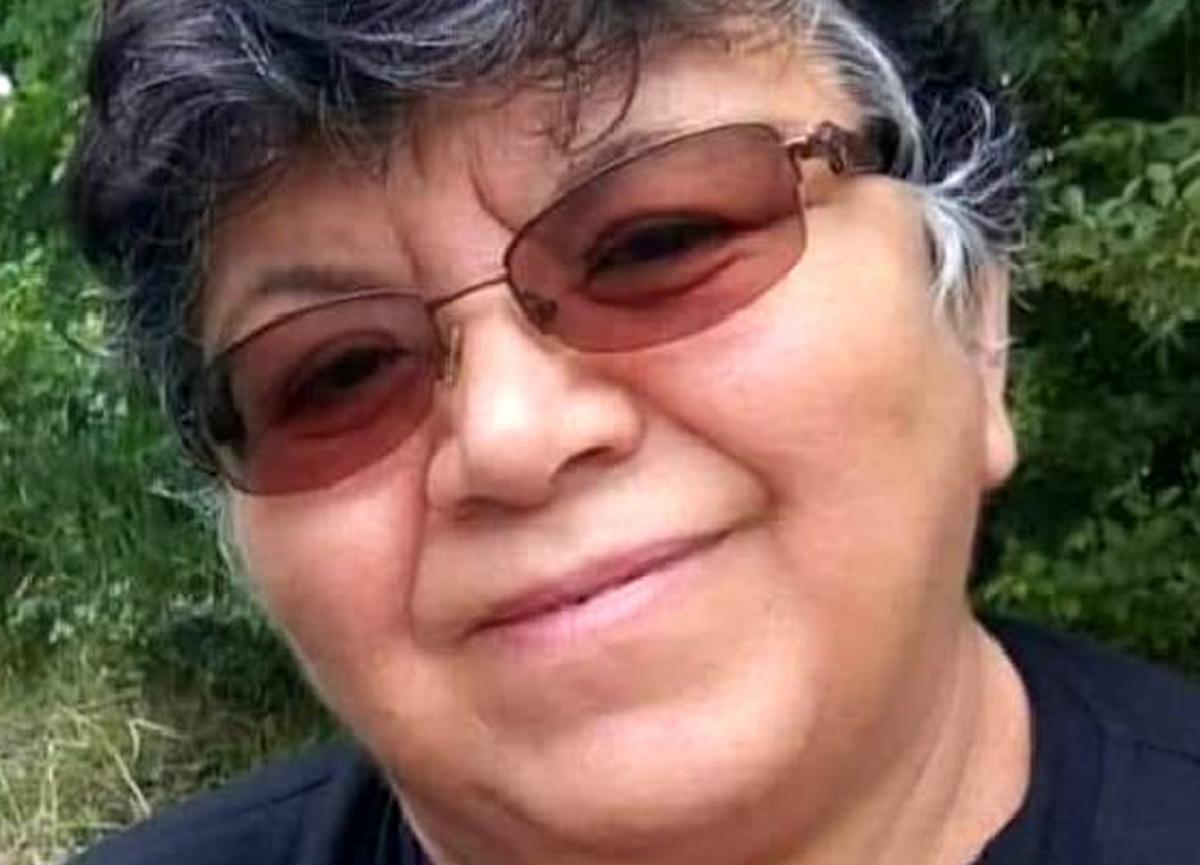 Emekli öğretmen öğretmenler gününde koronavirüsten hayatını kaybetti