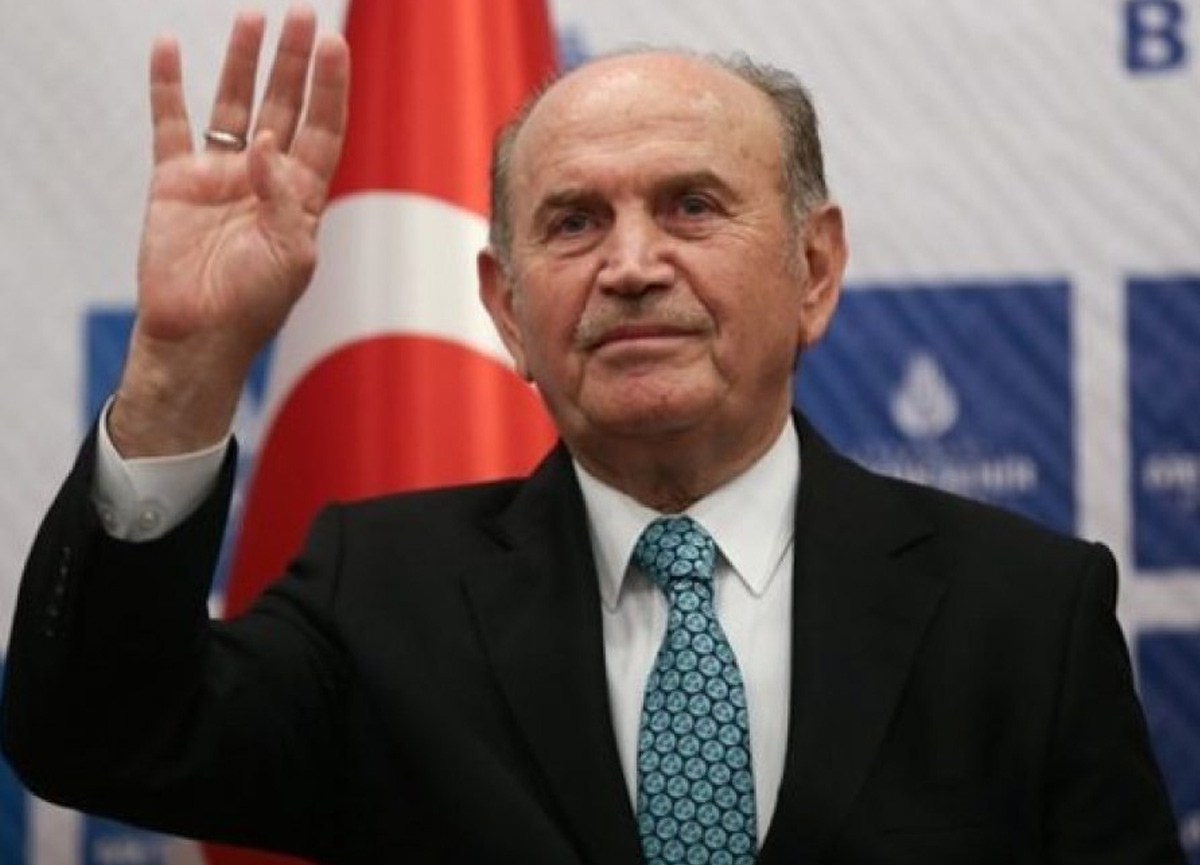 İstanbul eski belediye başkanı Kadir Topbaş'ın koronavirüs testi pozitif çıktı