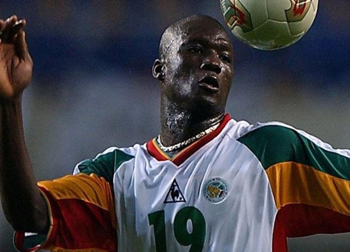 Bütün ülke yasta! Senegalli eski futbolcu Papa Bouba Diop hayatını kaybetti...