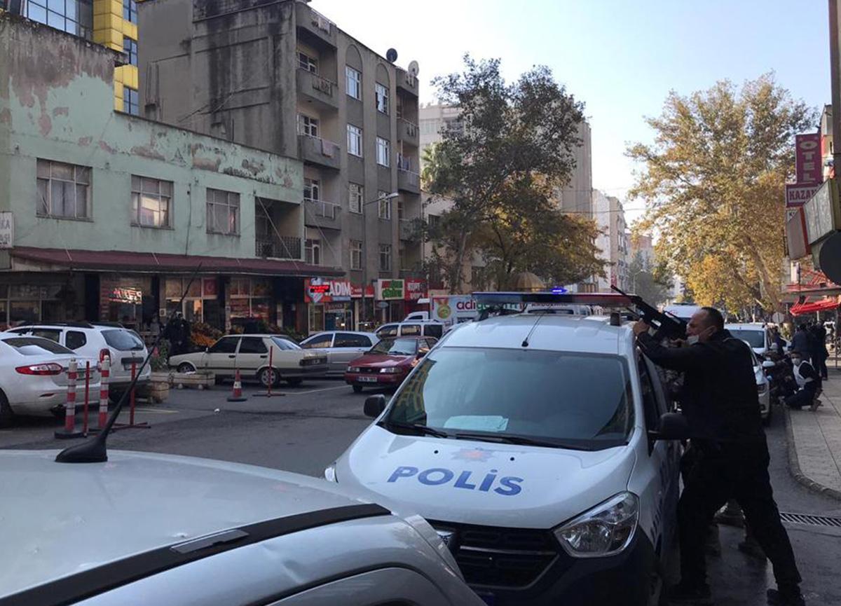 Kahramanmaraş'ta ihbara giden polislere ateş açıldı! 1 polis şehit oldu, 2 yaralı...