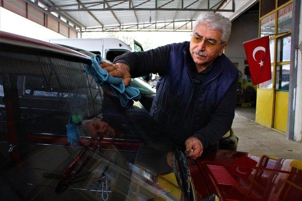 Cem Yılmaz bu araçla ilgileniyor! Sahibi aracı 100 bin liraya satışa çıkardı...