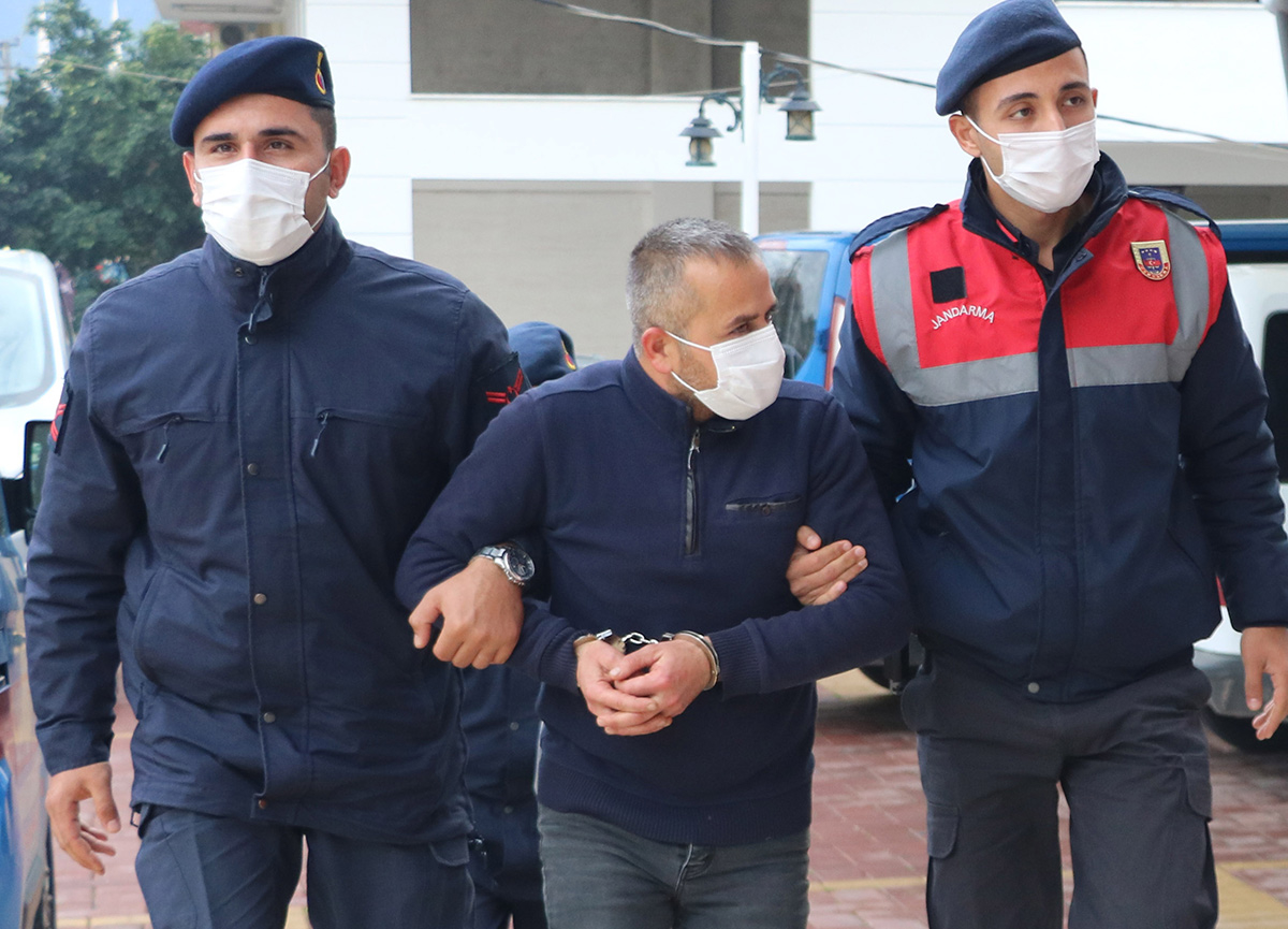 Alanya'da 260 bin TL'lik avokado çalan hırsız suçüstü yakalandı