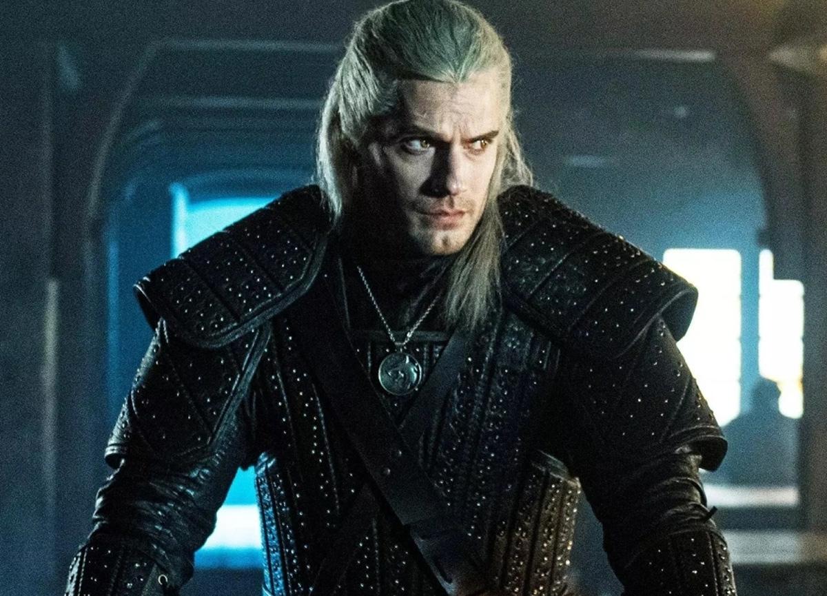 İngiliz oyuncu Henry Cavill The Witcher dizisinin çekimleri sırasında yaralandı