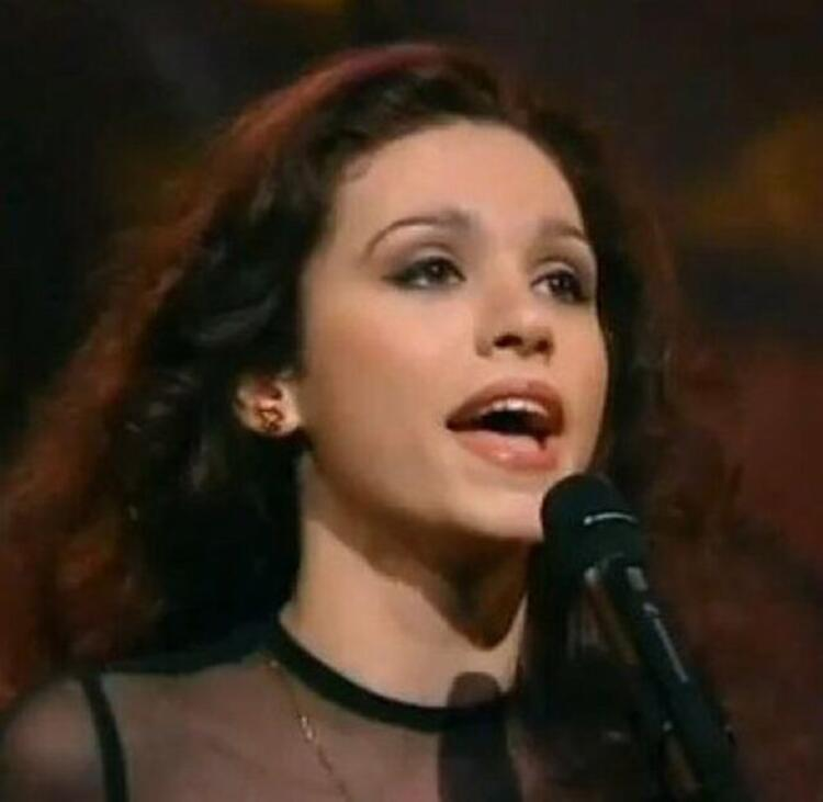 Eurovision'a damga vuran Şebnem Paker'in son hali olay oldu