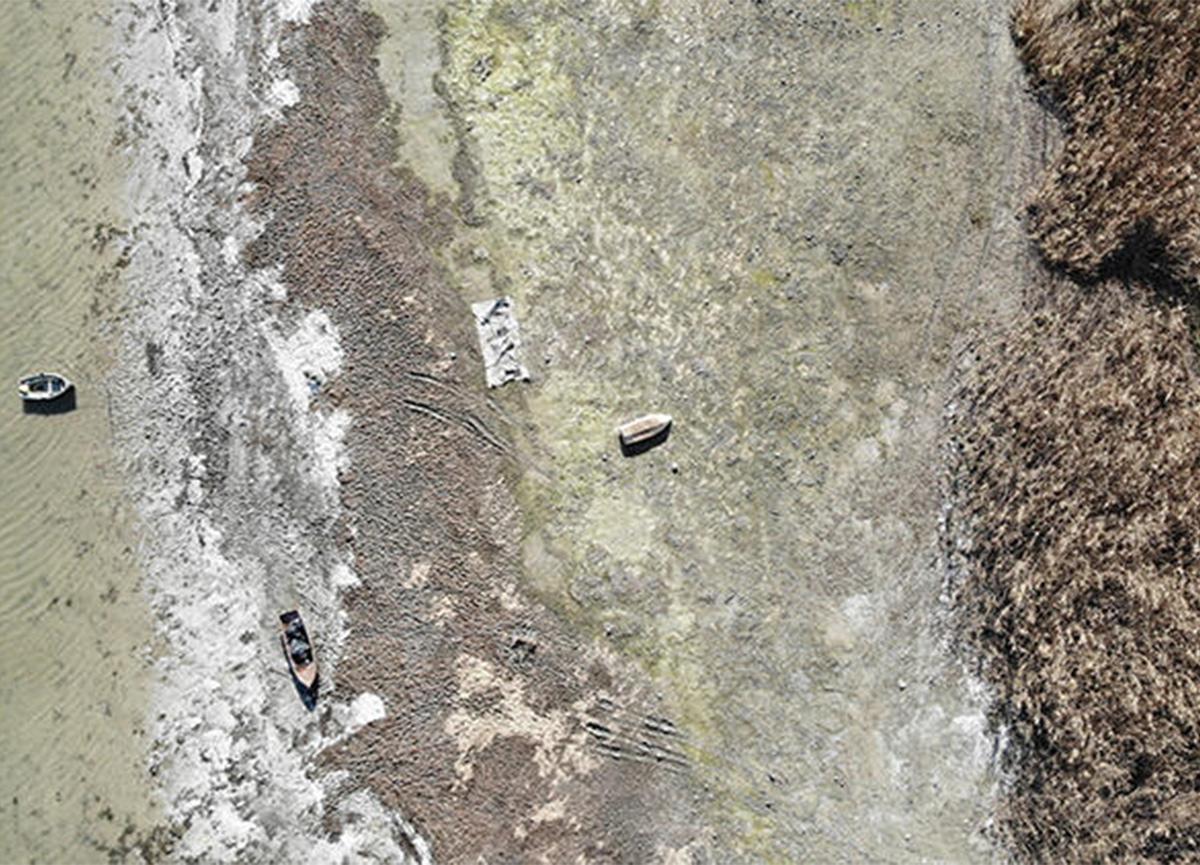 Şok görüntü! Terkos Gölü'nde sular yüzlerce metre çekildi!