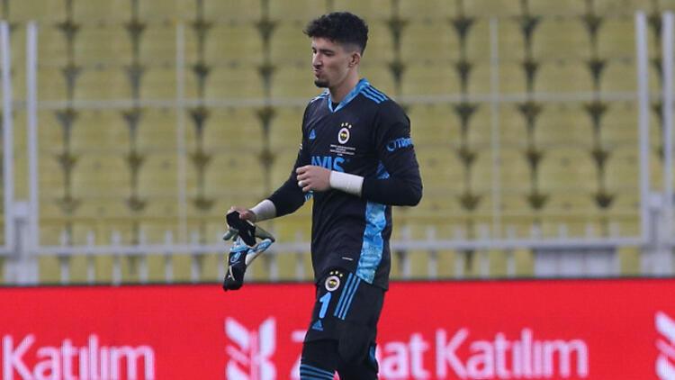 Fenerbahçe'de Altay Bayındır patlaması! Kırmızı kartın ardından...