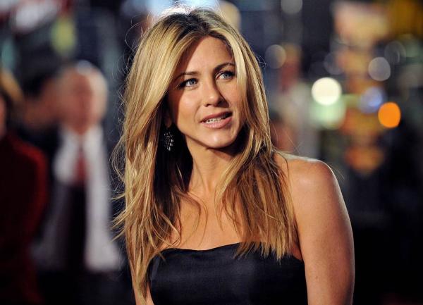 Jennifer Aniston yaptığı paylaşımlarla sosyal medyada en çok kazanan isimler arasında yer aldı
