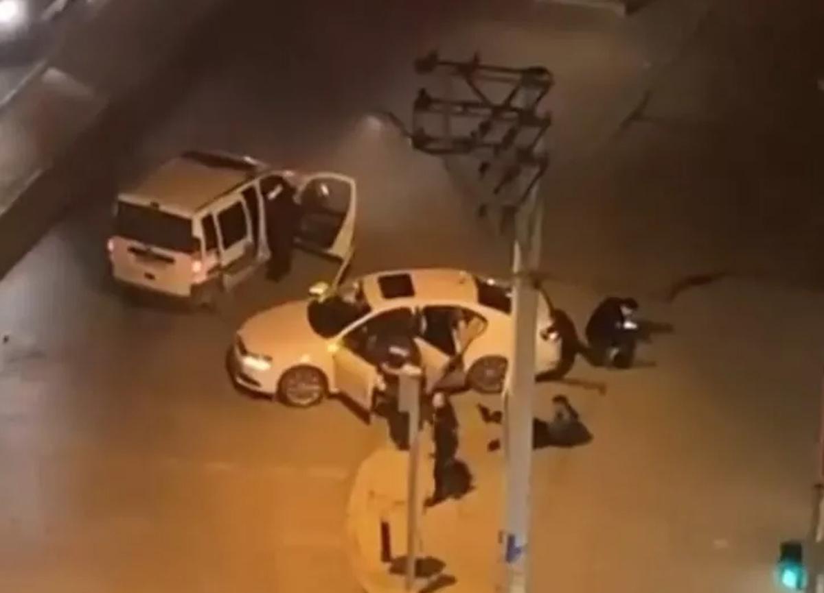 İzmir'de sosyal medyada olay olan görüntü! Polis memuru açığa alındı...