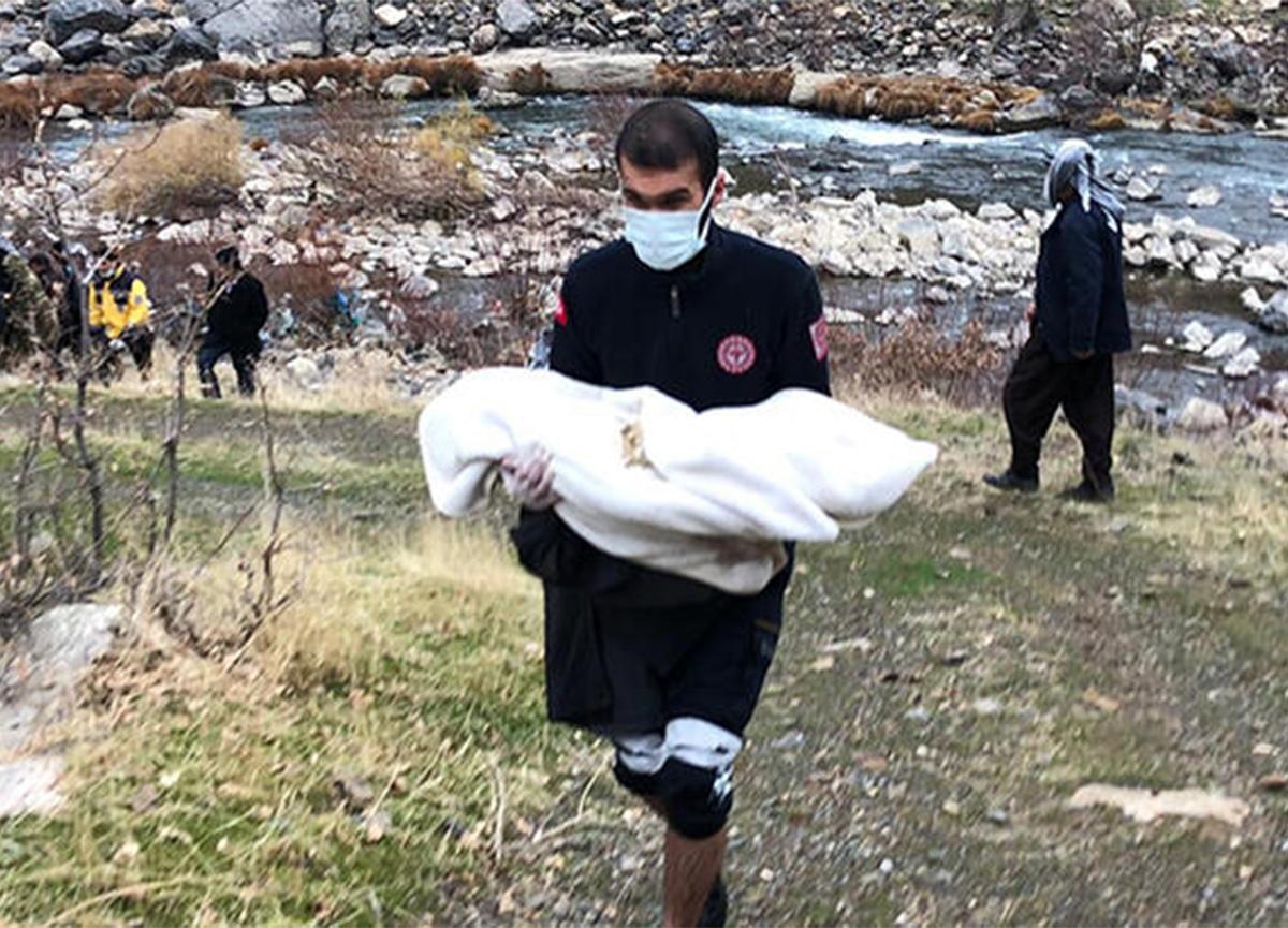 Şırnak'ta feci kaza! Anne, baba ve bebekleri hayatını kaybetti
