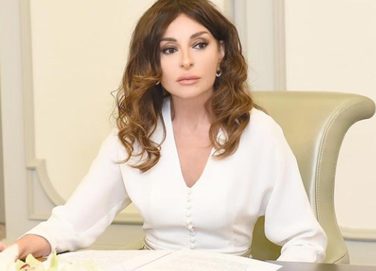 Mihriban Aliyeva'nın yılbaşı paylaşımı gündem oldu! Sosyal medyada bu yorumlar yapıldı...