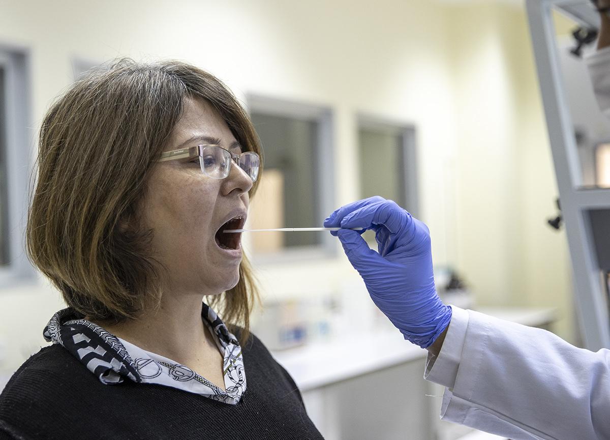 10 saniyede koronavirüs teşhisi! Türk bilim insanları geliştirdi...
