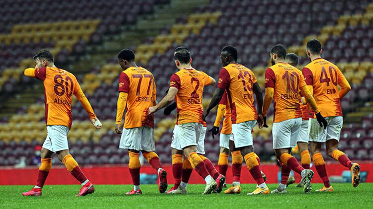 Galatasaray'da iki ayrılık birden! Sözleşmesi feshediliyor...