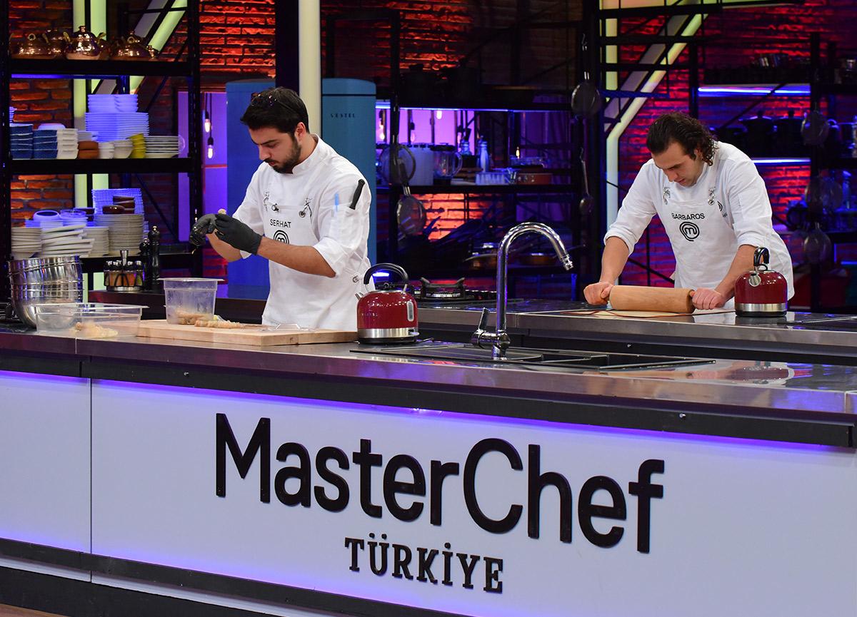 MasterChef'te büyük final ilk oyunu kim kazandı? 2 Ocak MasterChef Türkiye Serhat – Barbaros puan durumu