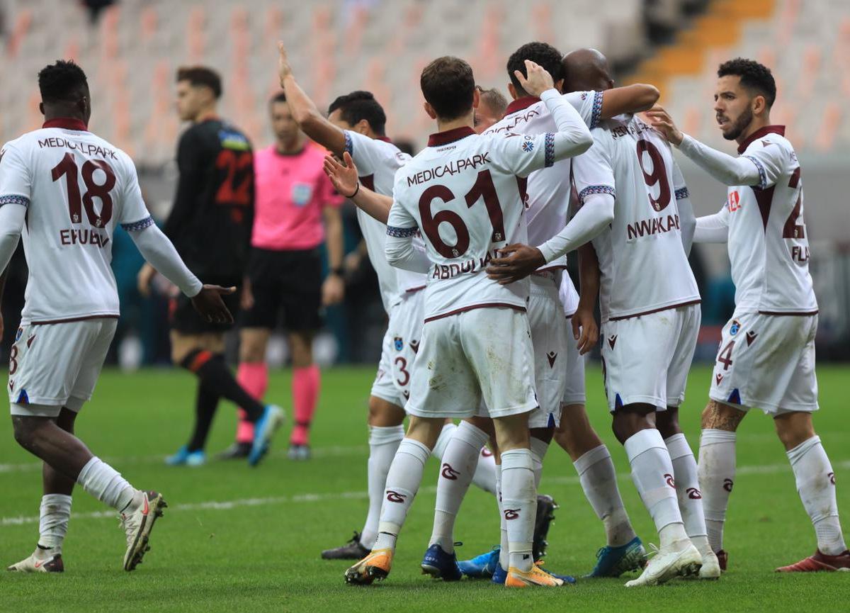 Trabzonspor deplasmanda Fatih Karagümrük'ü 2-1 mağlup etti
