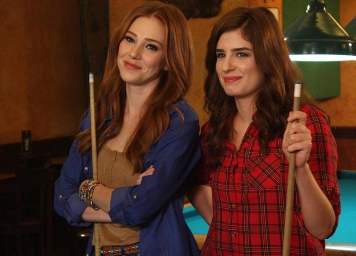 Kiralık Aşk dizisinde rol alan Sanem Yeles sosyal medya hesabından hamile olduğunu duyurdu