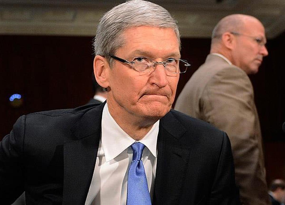 Apple CEO'su Tim Cook'un yıllık maaşı dudak uçuklattı: 14.8 milyon dolar