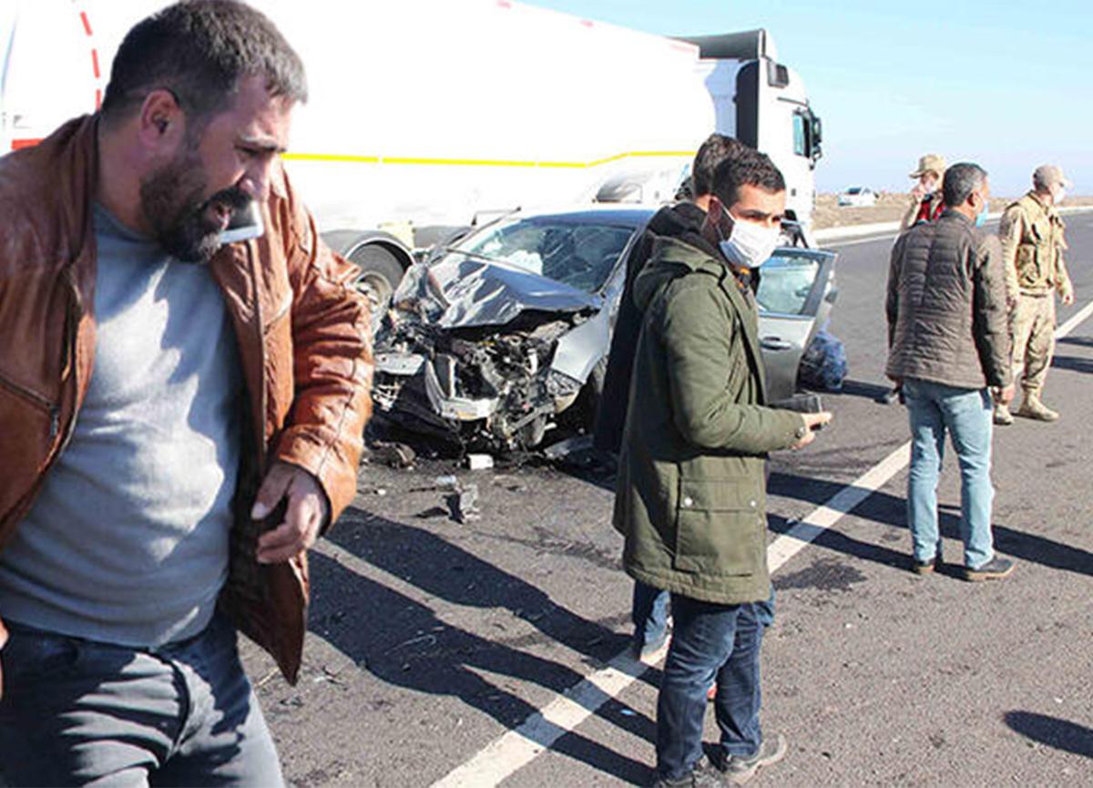 Diyarbakır'da feci kaza! Yaralılar var!