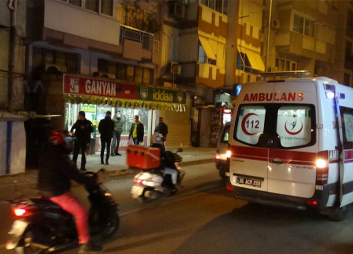 İzmir'de dehşet! Babasını 25 bıçak darbesiyle katletti