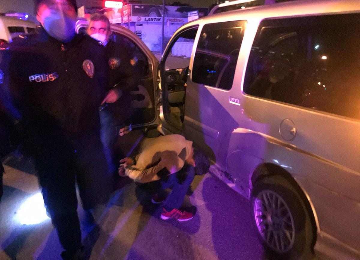 30 dakika polisten kaçan şahıs yakalanınca 'Abim polis' dedi