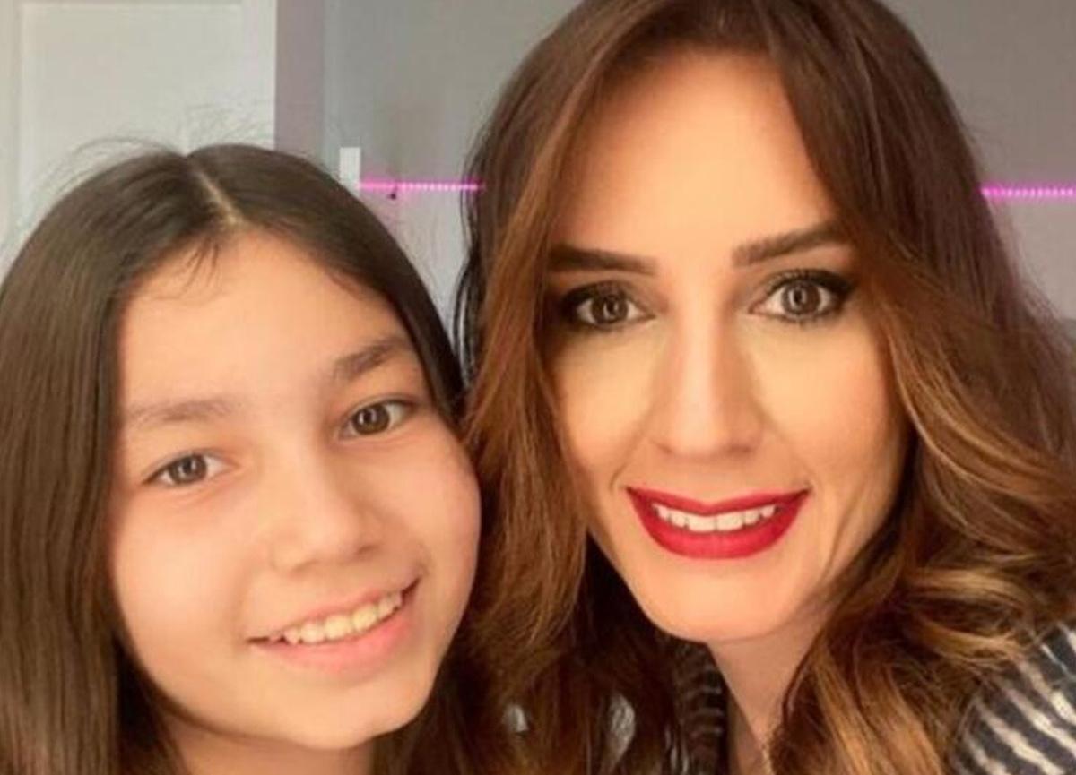 Nazlı Çelik, sosyal medya hesabından kızı ile fotoğrafını paylaştı