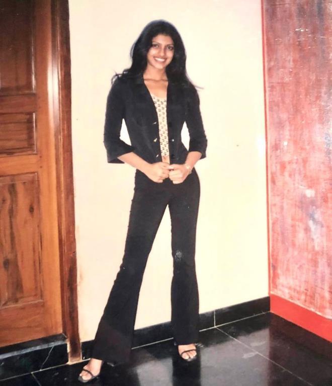 Güzellik kraliçesi olmadan önceki fotoğrafını paylaştı! Priyanka Chopra'nın değişimi herkesi şaşırttı