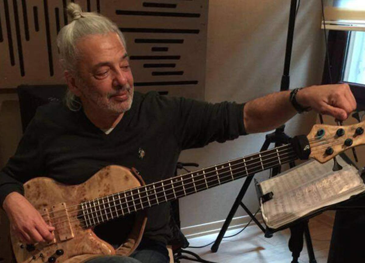 Ünlü müzisyen İsmail Soyberk hayatını kaybetti: Sanat dünyasını yasa boğan ölüm...