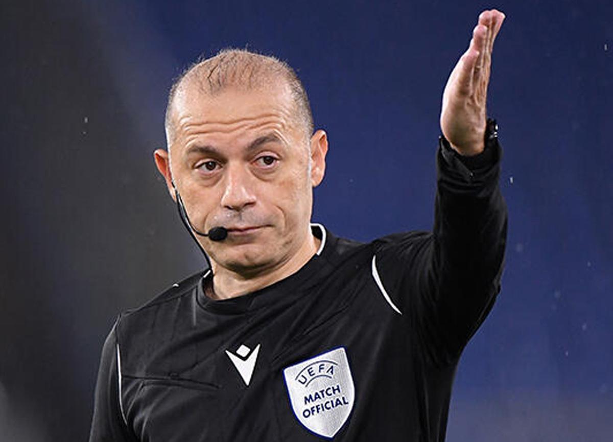 FIFA kokartlı hakemimiz Cüneyt Çakır, dünyanın en iyi 2. hakemi seçildi