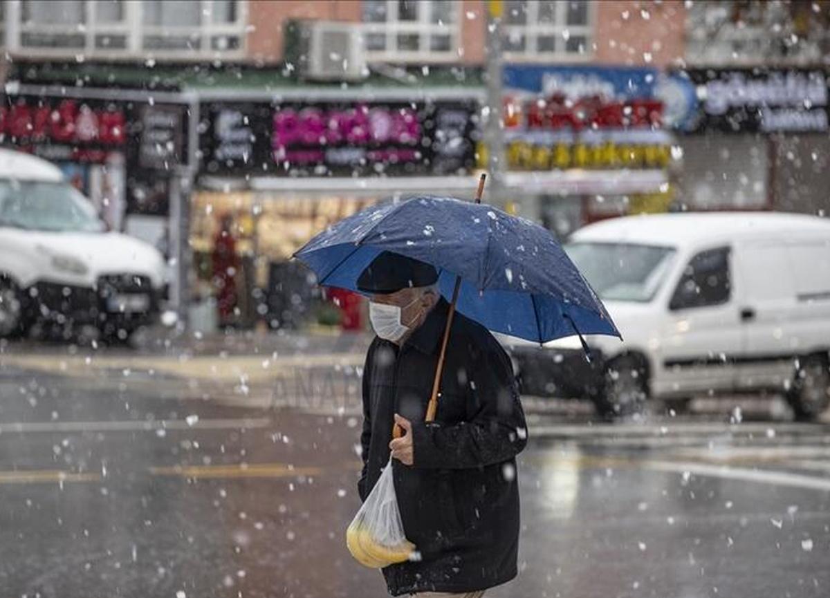 İstanbul'a kar ne zaman yağacak? İşte kar yağışının yoğun olarak görüleceği ilçeler