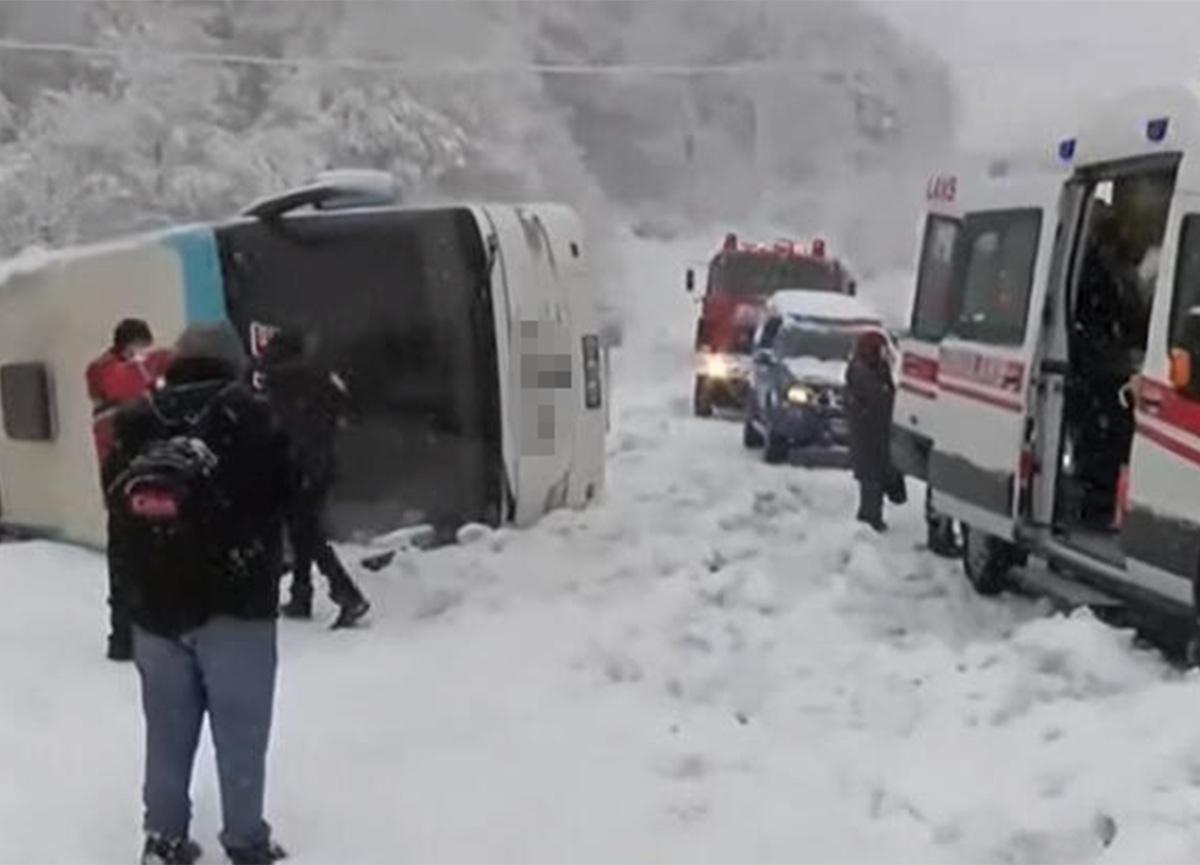 Zonguldak-İstanbul karayolunda yolcu otobüsü devrildi!