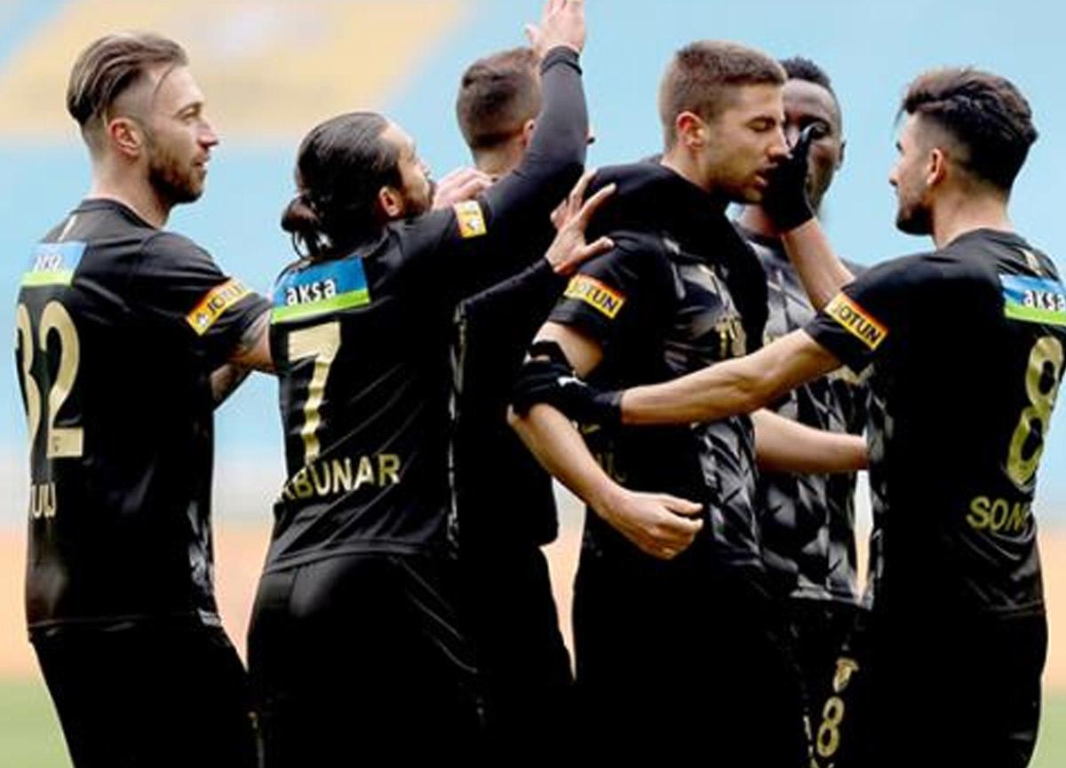Göztepe deplasmanda Konya'yı 3-2 mağlup etti