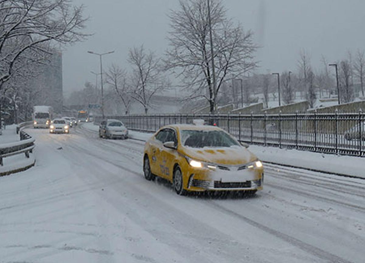 İstanbul Valiliği bu gece ve yarın sabah için kuvvetli buzlanma uyarısında bulundu