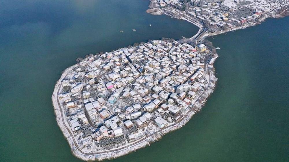 'Avrupa'nın en güzel 30 kasabası' arasında gösterilen Gölyazı beyaz gelinliğini giydi