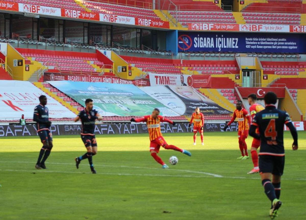 Kayserispor evinde Başakşehir'i 2-0 mağlup etti
