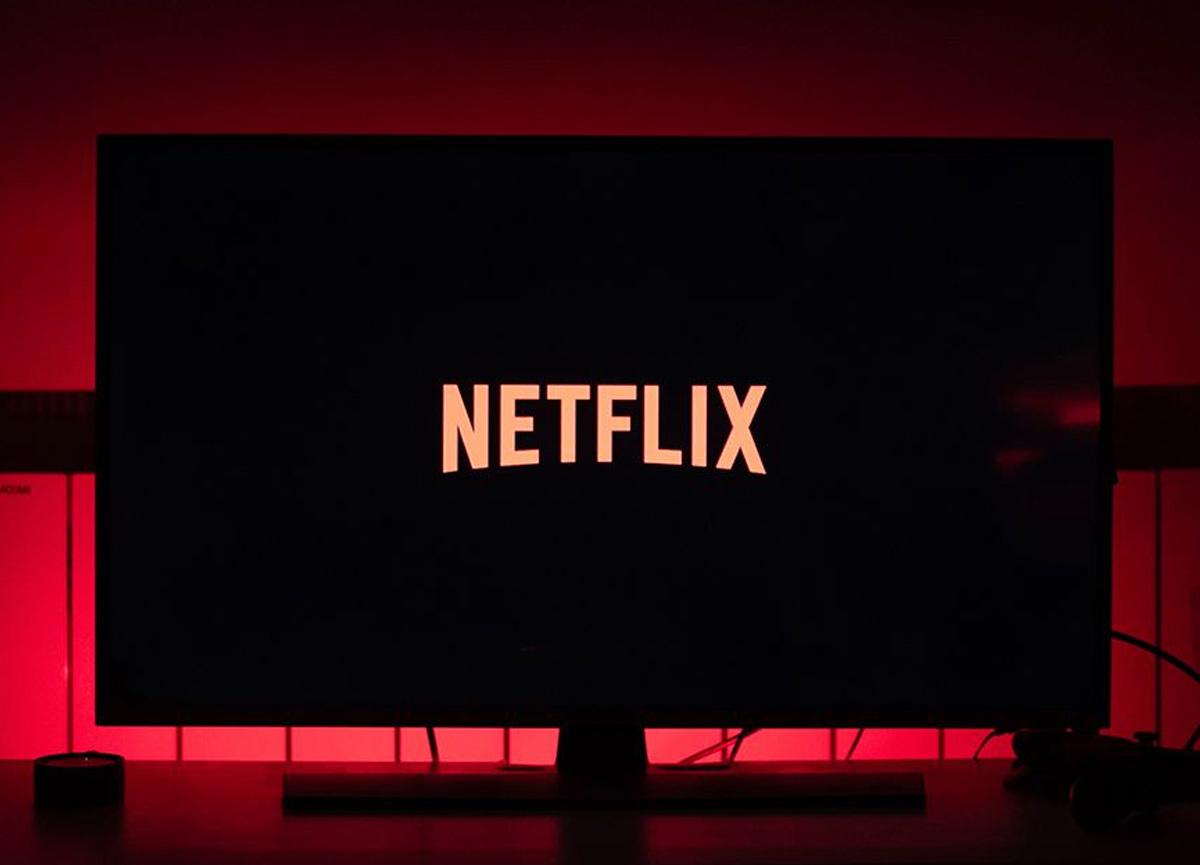 Netflix'e yeni özellik geliyor: Shuffle Play (Karışık Oynat) | Netflix Shuffle Play nedir?