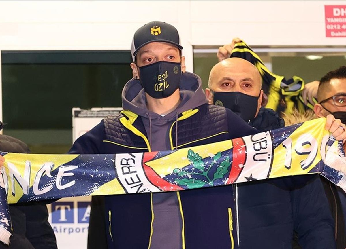 Fenerbahçe, Mesut Özil transferini KAP'a bildirdi