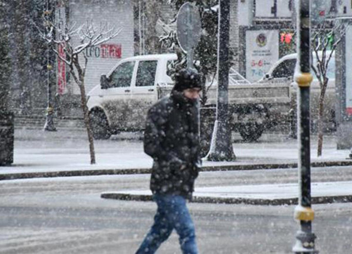 Meteoroloji'den hava durumu raporu! İstanbul'da kar devam edecek mi?