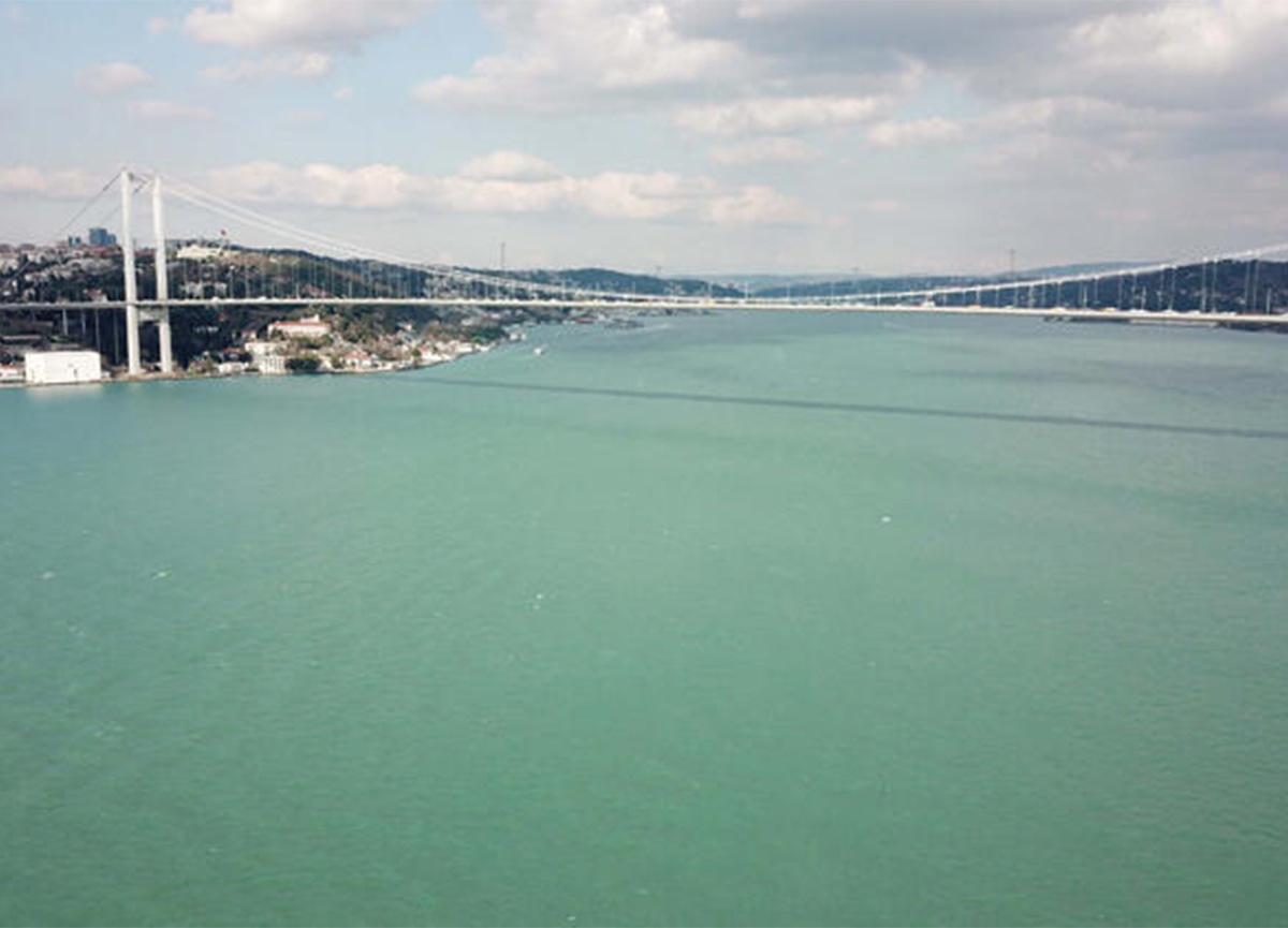 Şaşırtan manzara! İstanbul Boğazı'nda ilk defa kış ayında görüldü