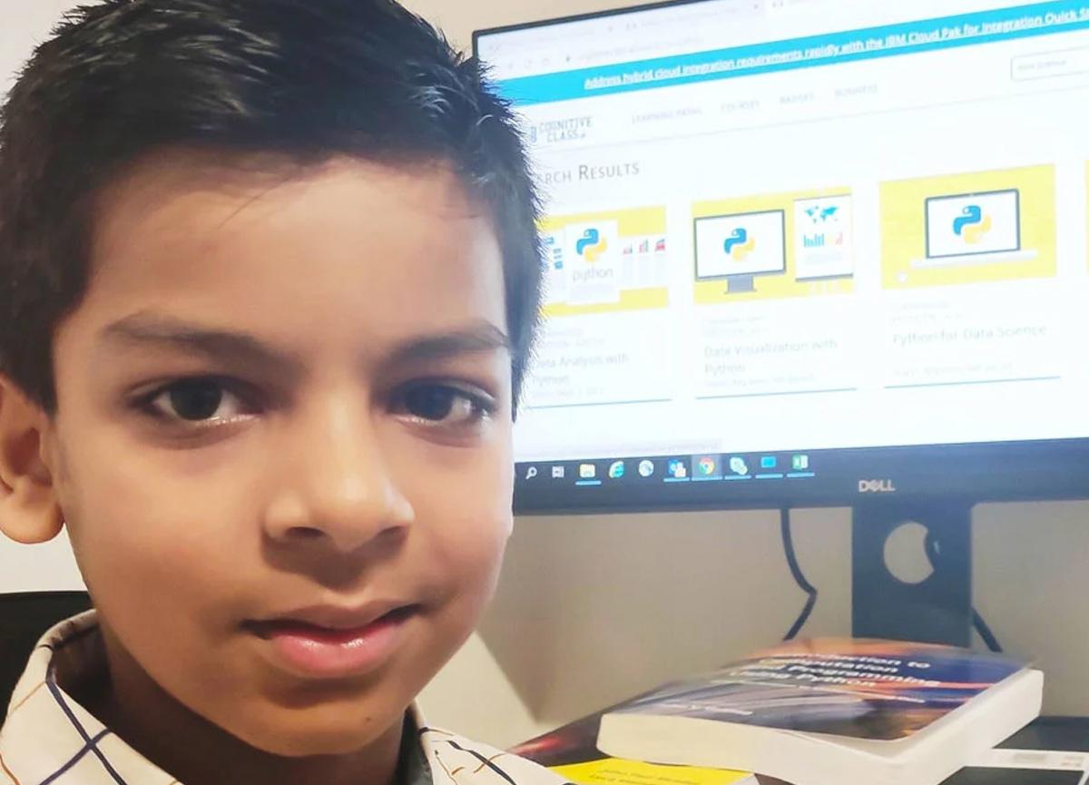 Kautilya isimli çocuk, IBM yazılım kurslarını tamamlayarak Guinness Rekorlar Kitabı'na girdi