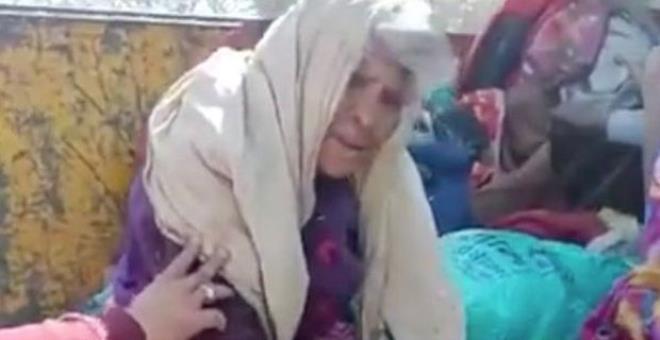 Hindistan'da belediyenin talimatıyla evsiz ve yaşlı insanlar çöp kamyonuyla toplanıp şehir dışına atıldı