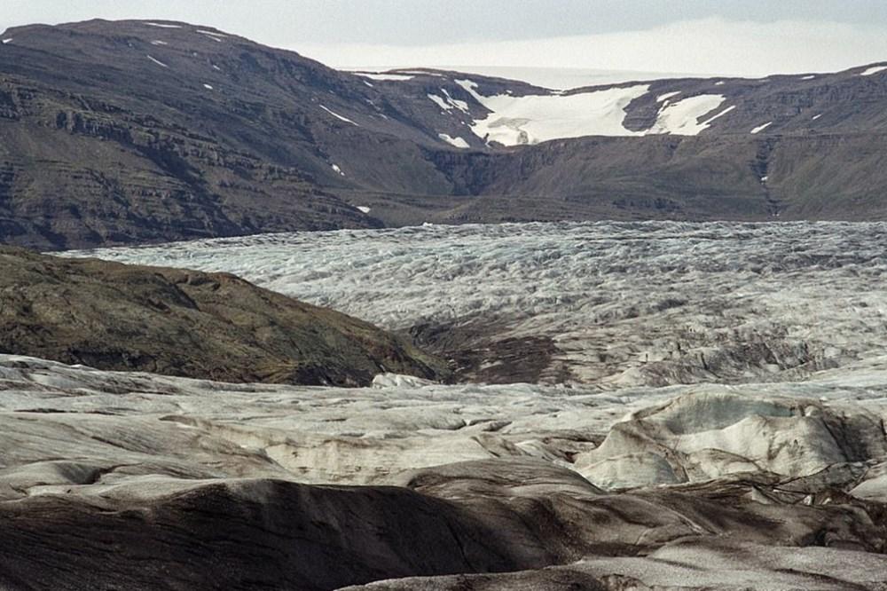 İklim değişikliğinin İzlanda buzullarındaki yıkıcı etkisi 30 yıl arayla fotoğraflandı