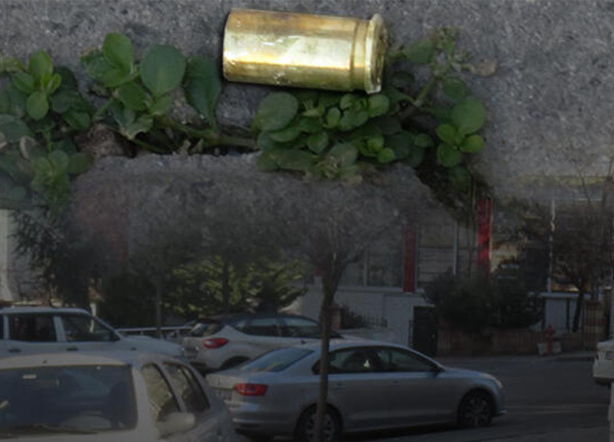 Sokak ortasında eşini silahla vuran kişi intihar etti
