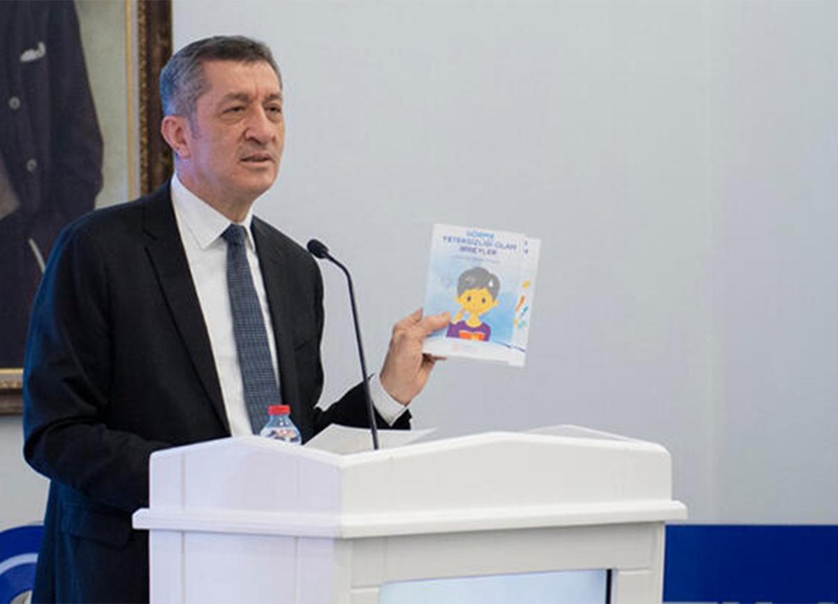 Bakan Selçuk açıkladı! MEB'den özel gereksinimli çocukların aileleri için rehber kitapçık seti
