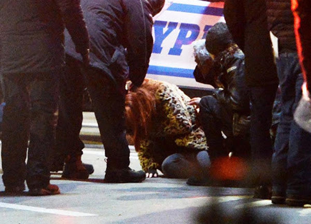 Ünlü oyuncu Jennifer Lawrence film çekiminde gözünden yaralandı