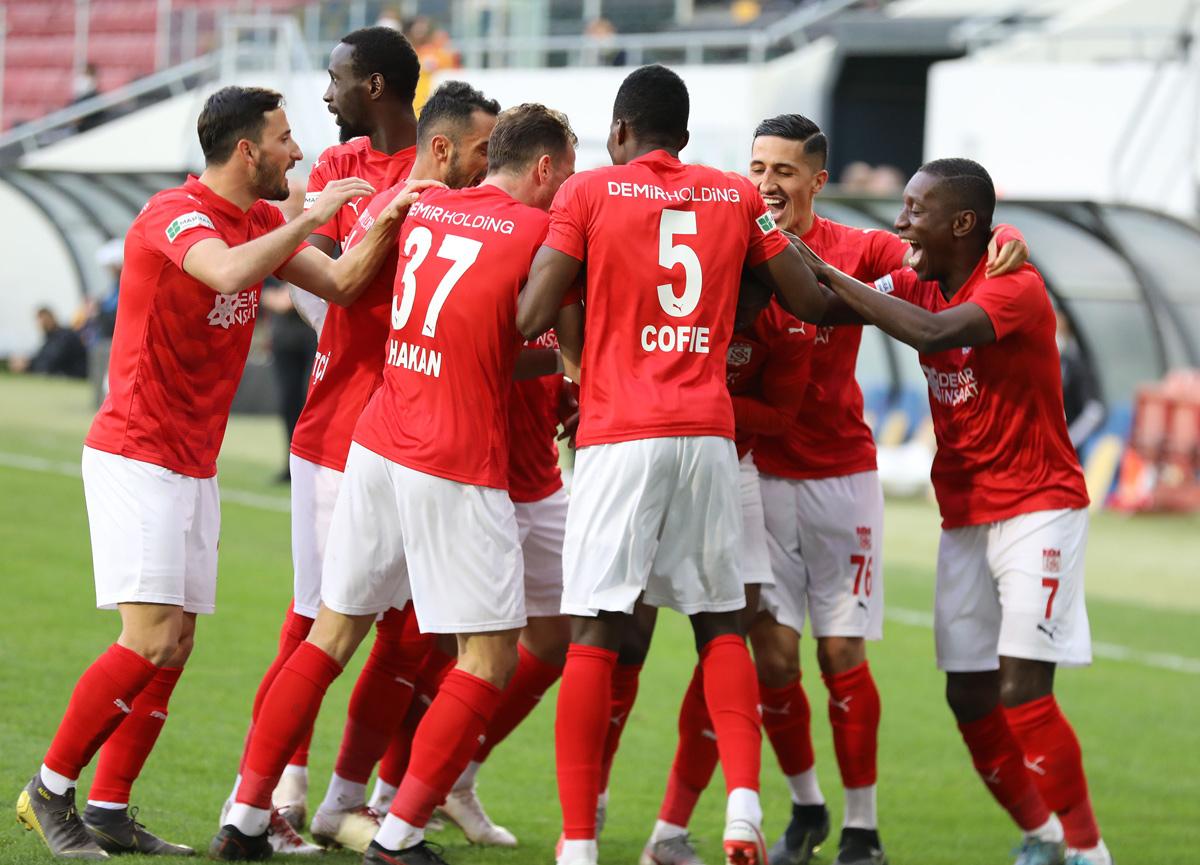 Sivasspor deplasmanda Ankaragücü'nü 4-1 mağlup etti