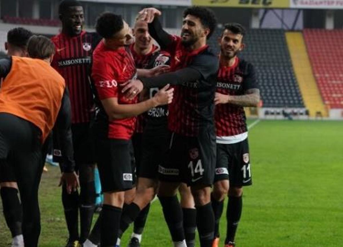 Gaziantep evinde konuk ettiği Göztepe'yi 2-0 yendi