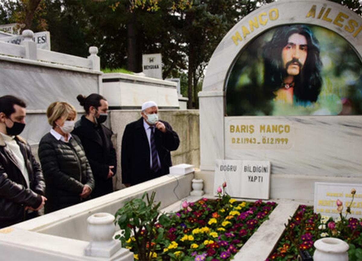 Barış Manço ölümünün 22'nci yılında mezarı başında anıldı