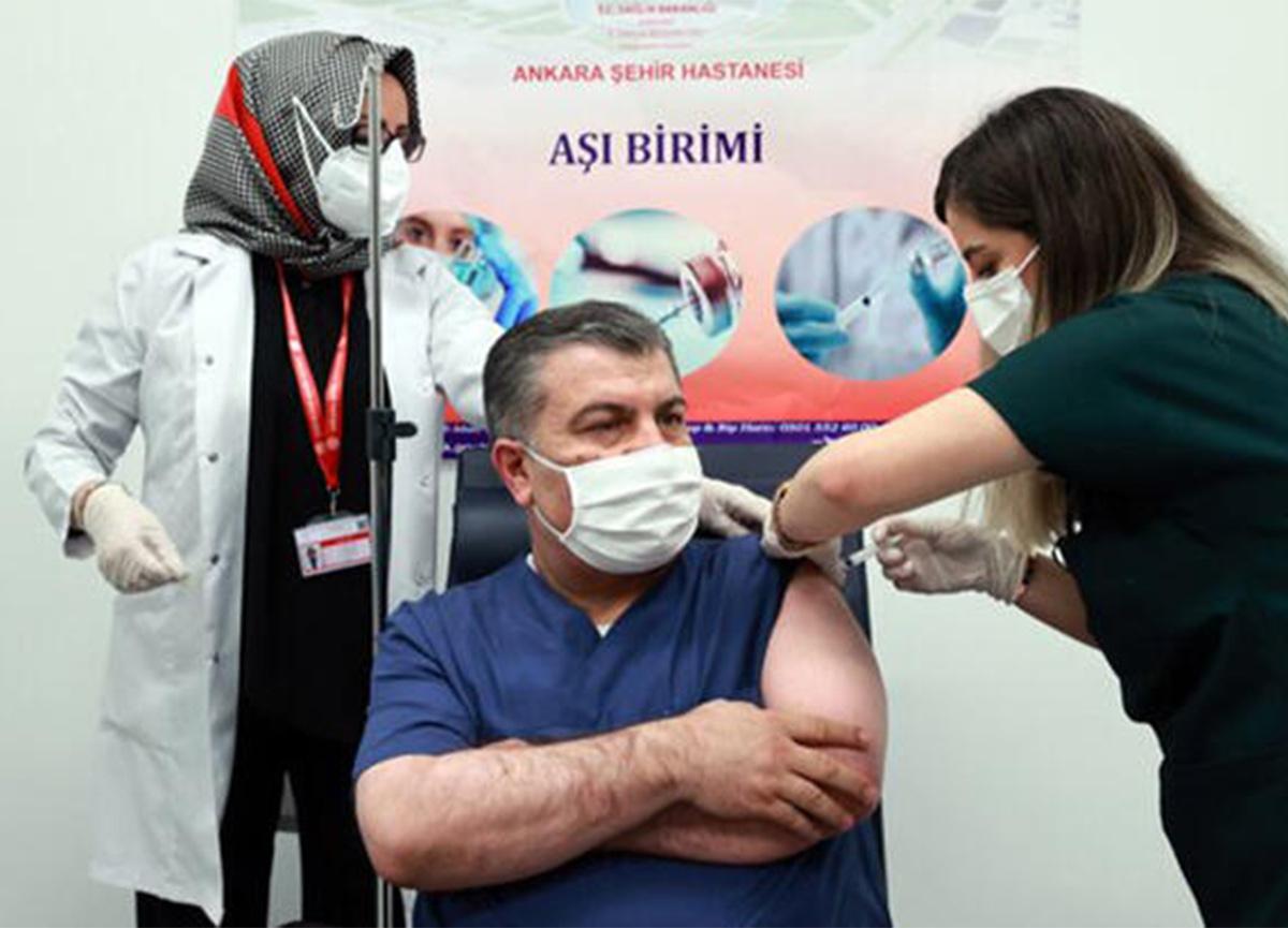 Bakan Koca paylaştı: '28. gün ikinci doz aşımı oldum'