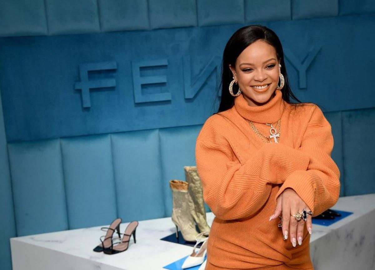 Rihanna'nın moda markası Fenty, kepenk indiriyor